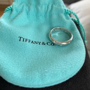 Tiffany & Co.  platinum diamond Etoile band